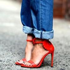 Descubra qual é a marca das sandálias com asas preferida das fashionistas