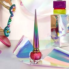 Loubichrome: Louboutin lança esmaltes cromados com embalagem-desejo