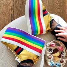 Rainbow Platform: Tênis com solado arco-íris para o 1º look em Milão